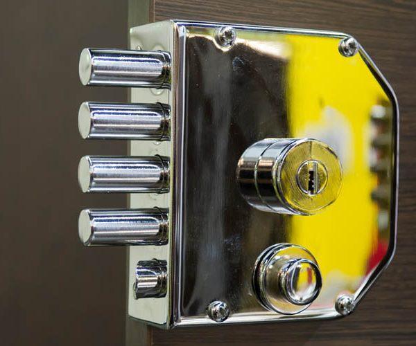 commercial locksmith company